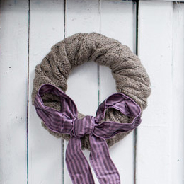 DIY-Scarf-Wreath thumbnail