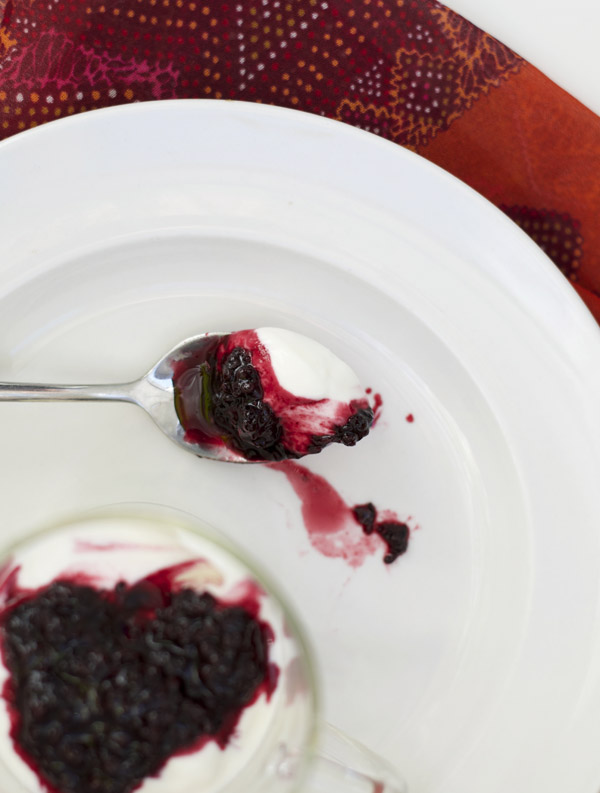 Irish blackberry yogurt made with jam