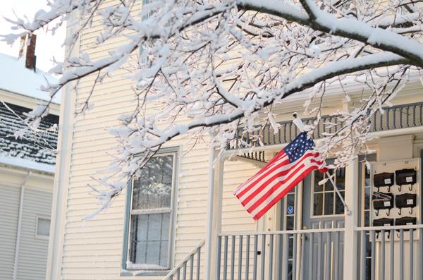 snow_american_flag