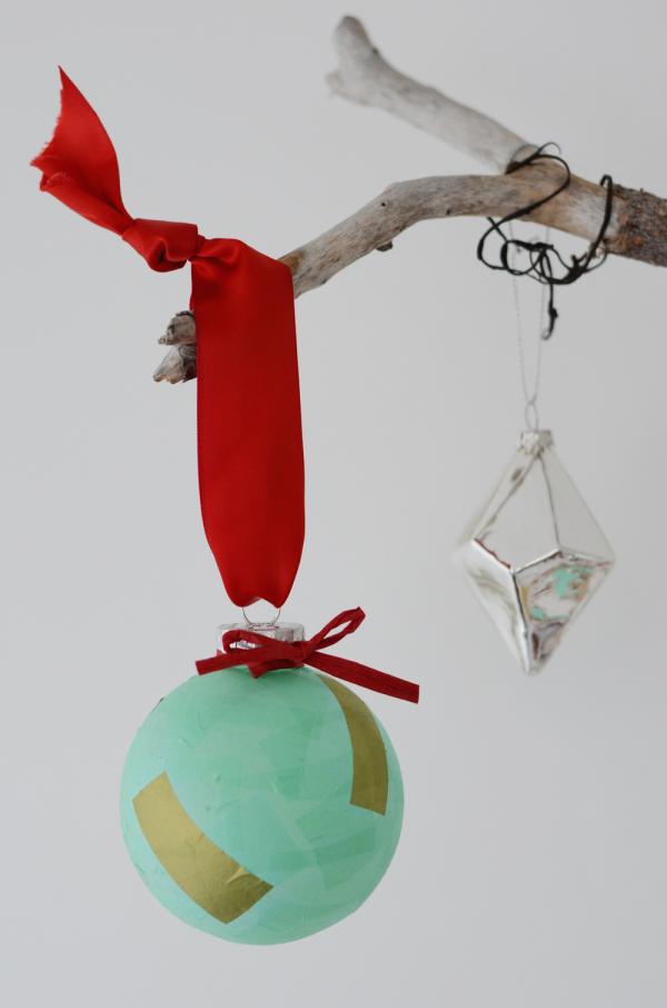 christmas_ornament_evoke