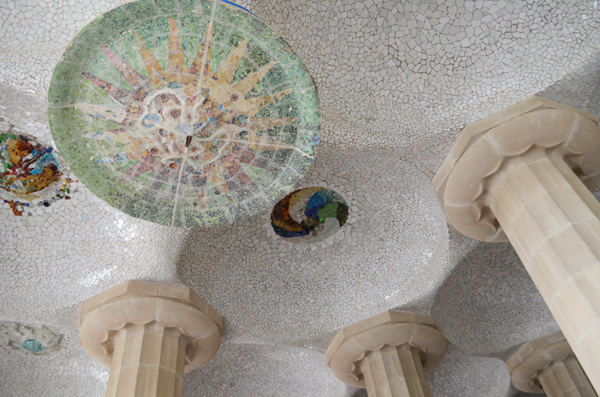 parc_guell_ceiling