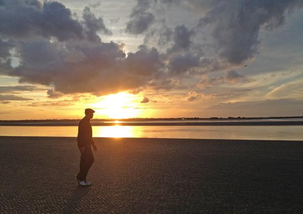 beat_dublin_winter_blues_beach_walk