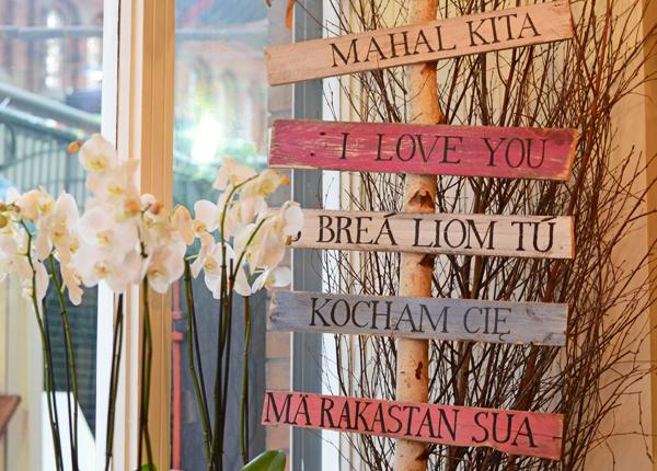i_love_you_sign_appassionata_florist