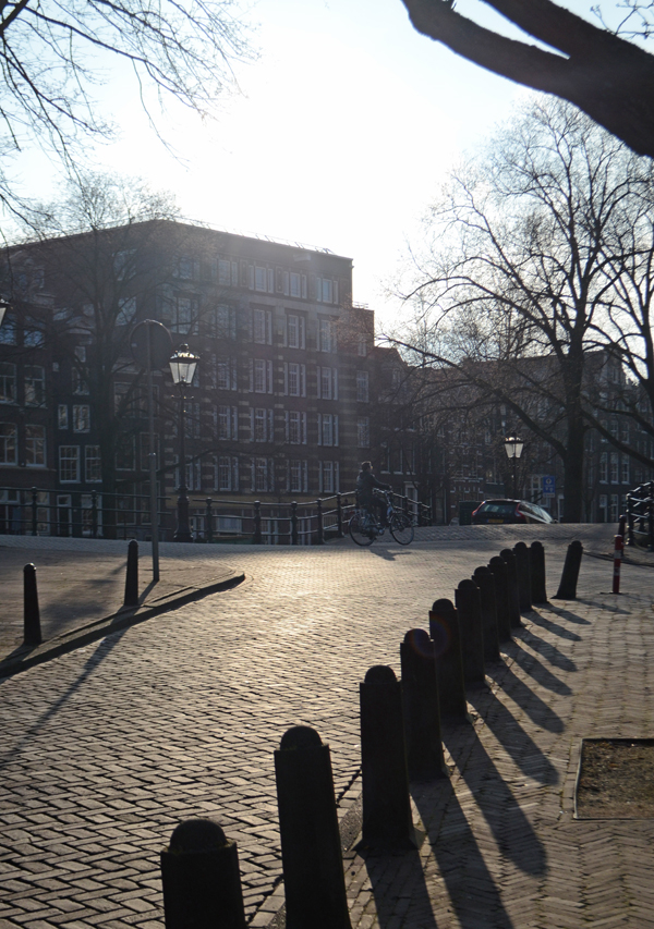 amsterdam_shadows_canal