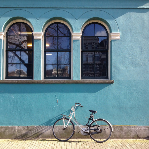 amsterdam_turquoise_wall_bicycle