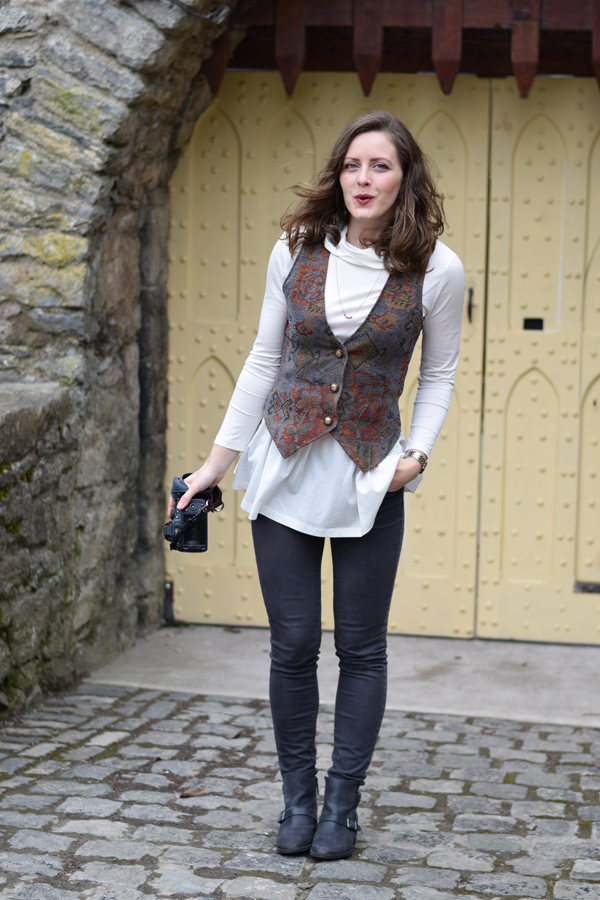 outtake_styled_in_ireland_castle