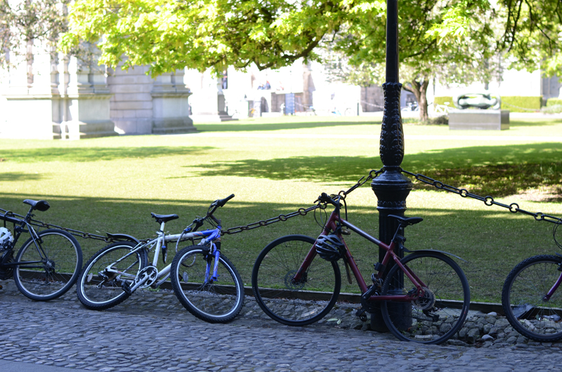 trinity-college-bicycles-dublin