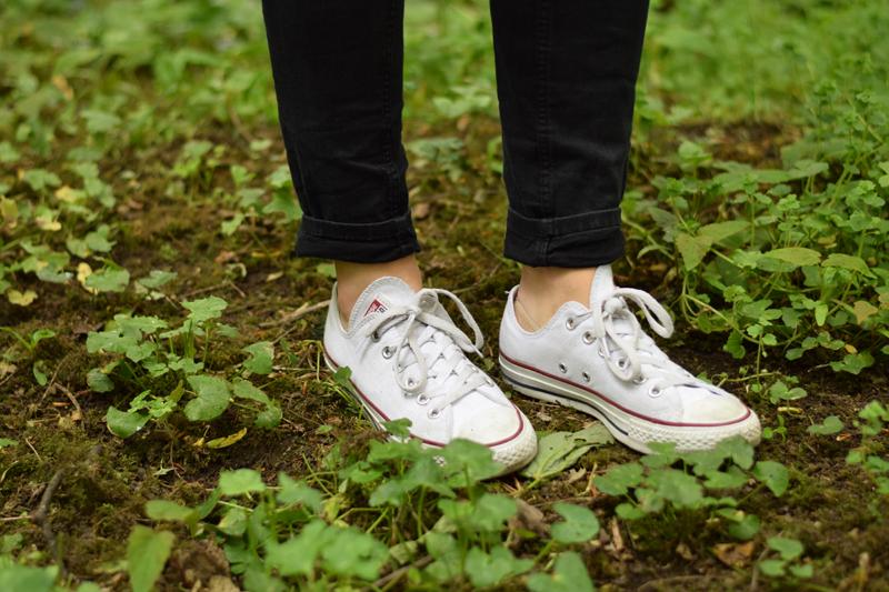 converse-sneakers-walk-ireland