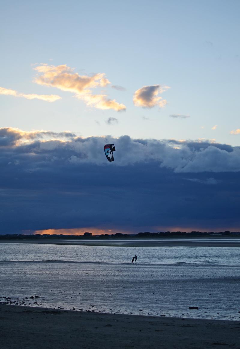 kite-surfing-ireland-sunset