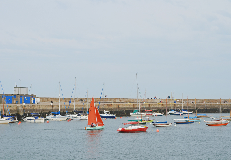 howth-harbor-sailing