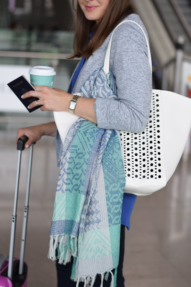 airport-tips-scarf