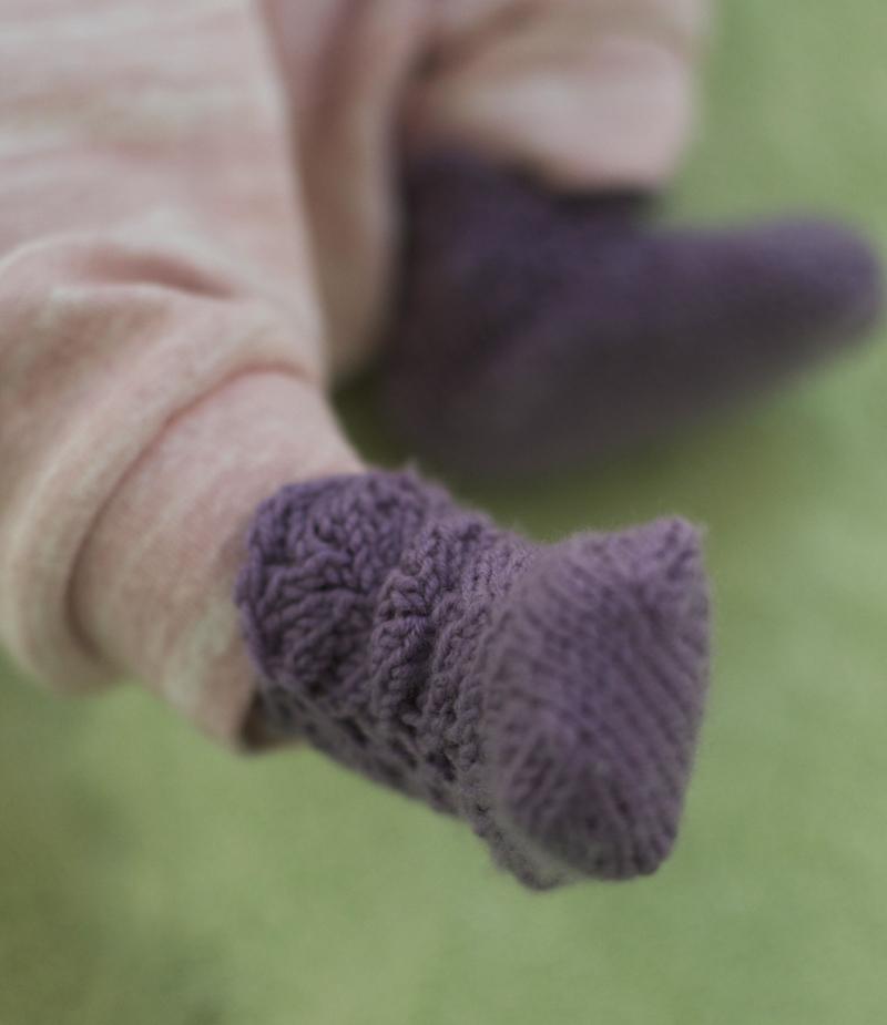 maya-knit-booties