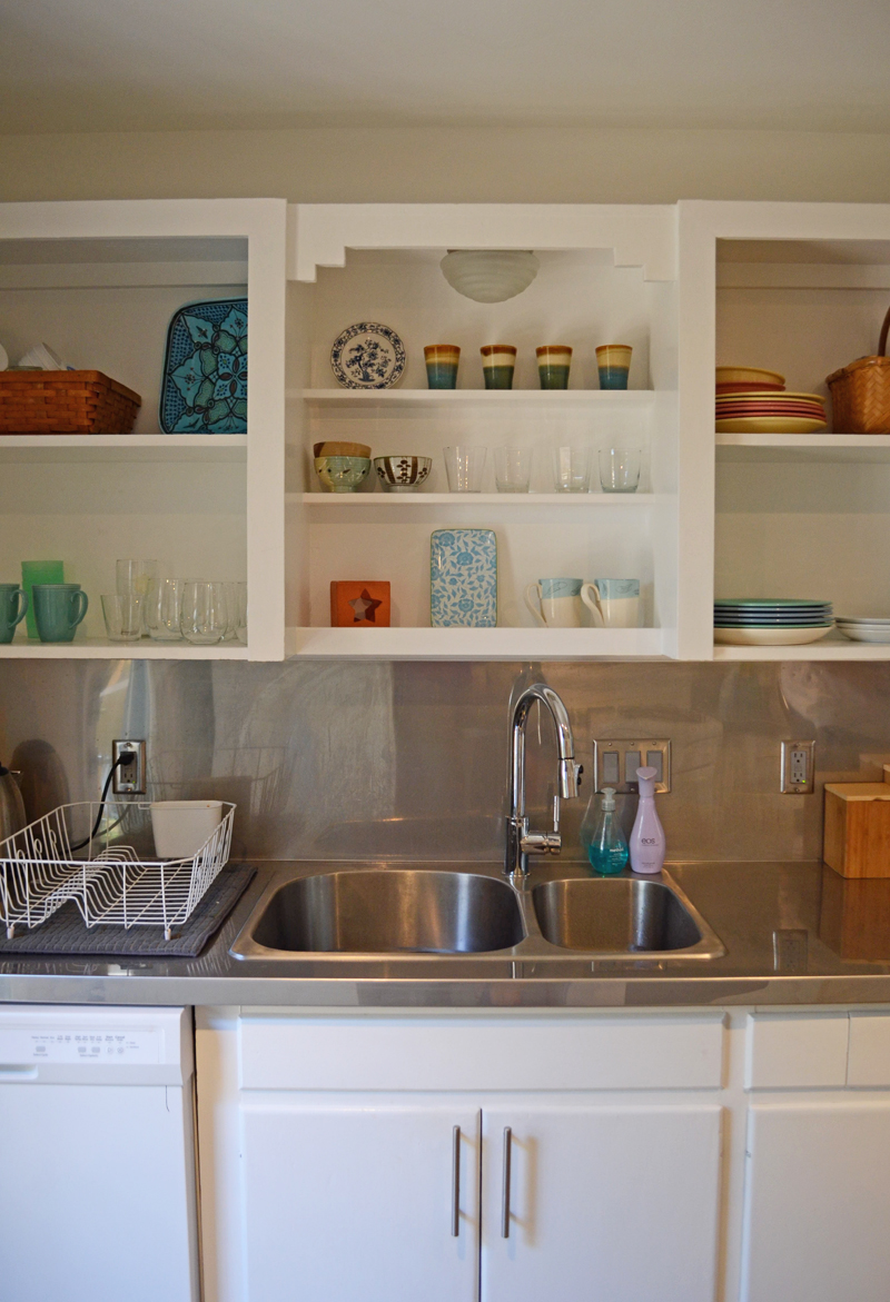 houston-kitchen-shelves