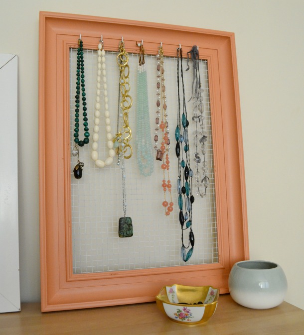 A DIY Jewellery Organizer From China Village
